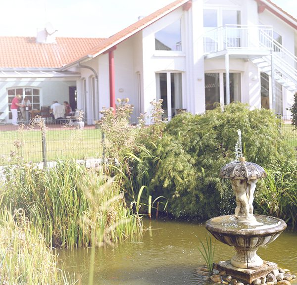 Brunnen und Garten Tagespflege Dorfstraße